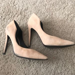 Kendall + Kylie nude suede pumps size 6